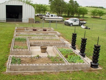 Easy to make diy raised garden beds ideas 10