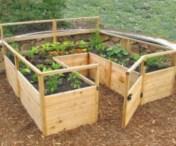 Easy to make diy raised garden beds ideas 16