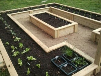 Easy to make diy raised garden beds ideas 25