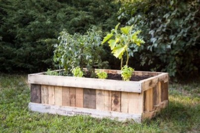 Easy to make diy raised garden beds ideas 30