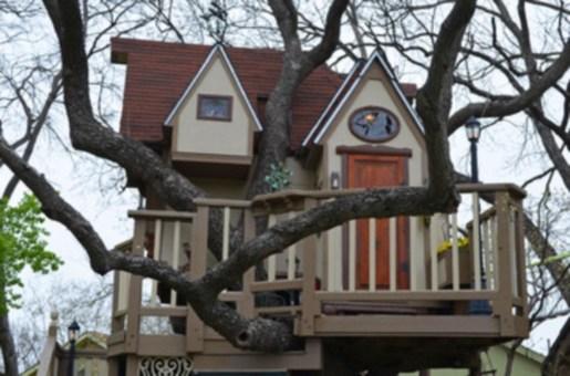 Fabulous backyard playhouse to delight your kids 08