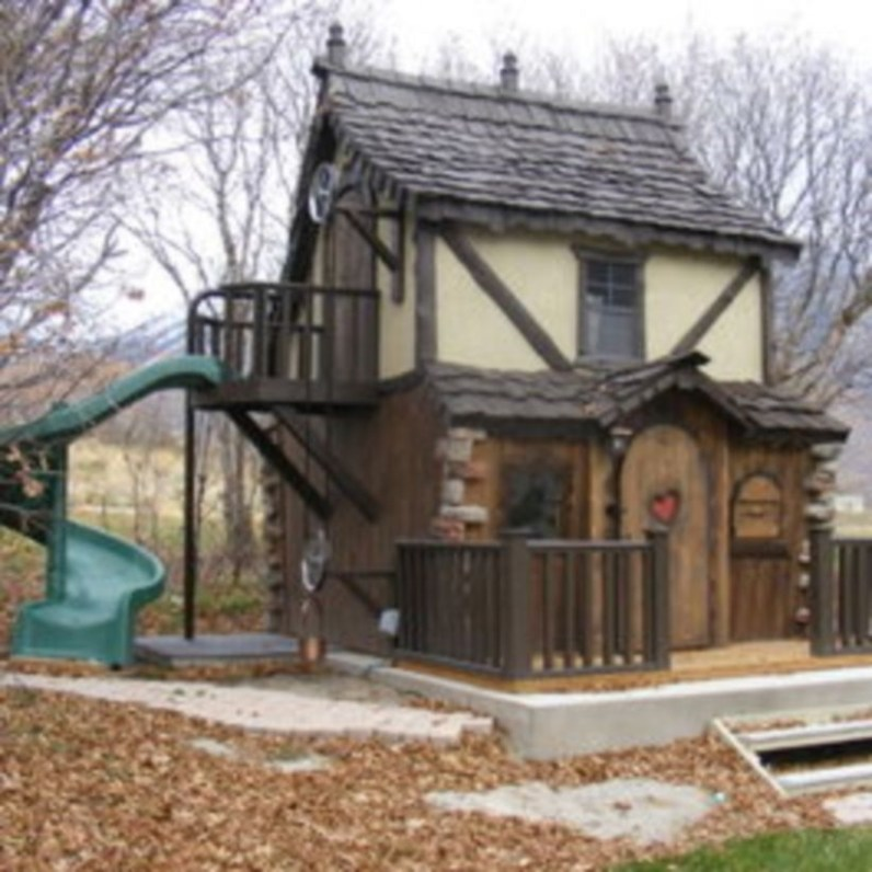 Fabulous backyard playhouse to delight your kids 09