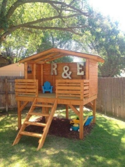 Fabulous backyard playhouse to delight your kids 13