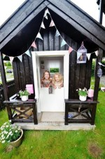 Fabulous backyard playhouse to delight your kids 32