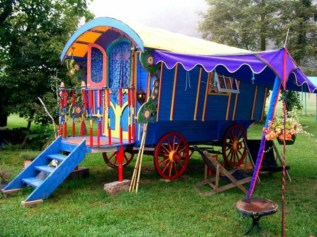 Fabulous backyard playhouse to delight your kids 35