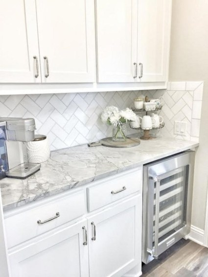 Adorable marble herringbone backsplash detail 07