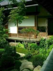 Beautiful courtyard garden design ideas 17