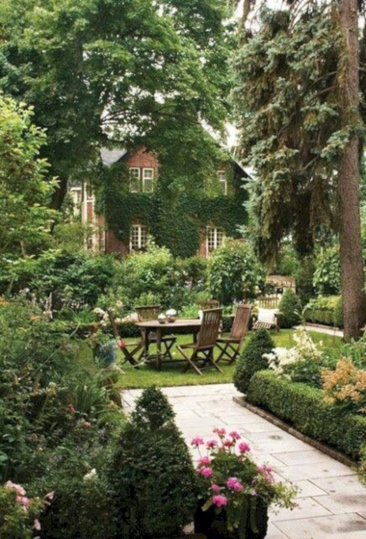 Beautiful courtyard garden design ideas 20