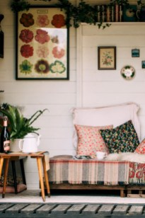 Boho rustic glam living room design ideas 12