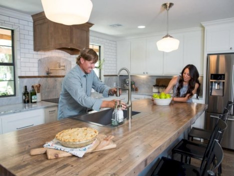 Distinctive kitchen lighting ideas for your kitchen 17