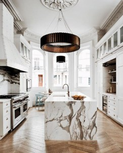 Distinctive kitchen lighting ideas for your kitchen 33