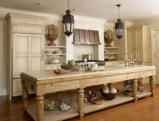 Gorgeous narrow kitchen with stunning details 17