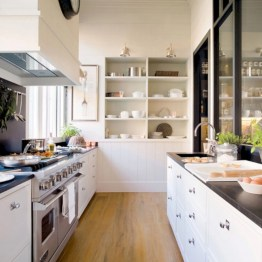 Gorgeous narrow kitchen with stunning details 21