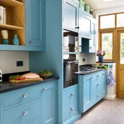 Gorgeous narrow kitchen with stunning details 30
