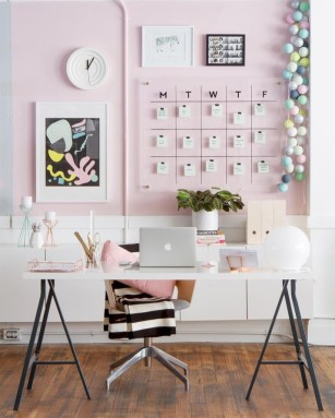 Modern wall calendars to get you organized for 2018 07