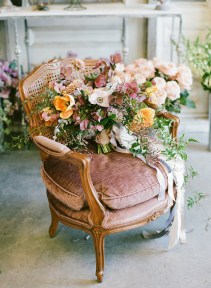 Diy floral arrangement that you can use on your wedding day 14