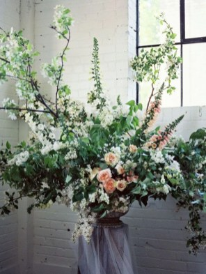 Diy floral arrangement that you can use on your wedding day 18