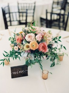 Diy floral arrangement that you can use on your wedding day 23