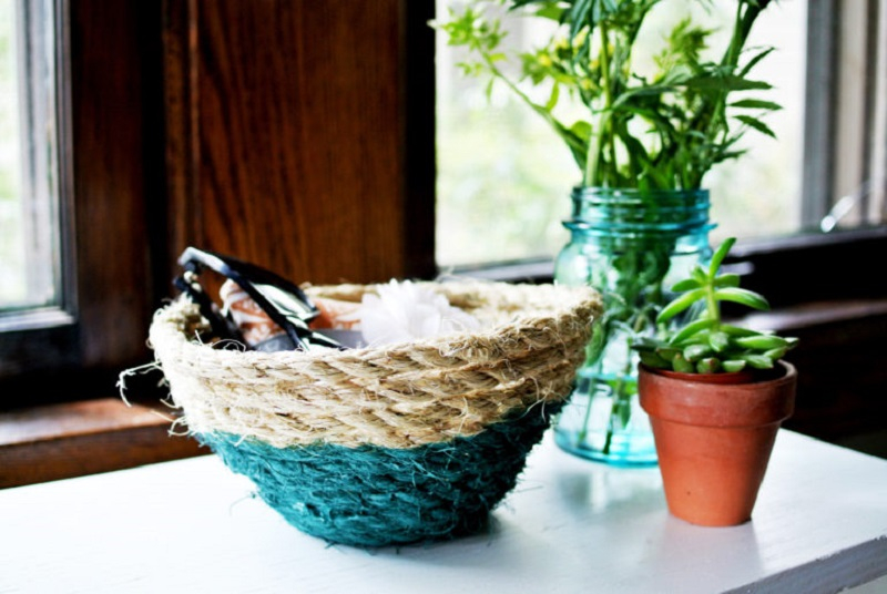Diy-paint-dipped-rope-basket