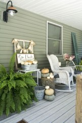 Awesome farmhouse fall decor porches 06