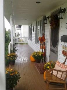 Awesome farmhouse fall decor porches 15