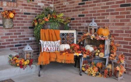 Awesome farmhouse fall decor porches 37