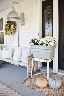 Awesome farmhouse fall decor porches 42
