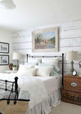 Best modern farmhouse bedroom decor ideas 11