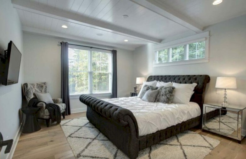 Best modern farmhouse bedroom decor ideas 15