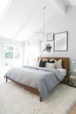 Best modern farmhouse bedroom decor ideas 25