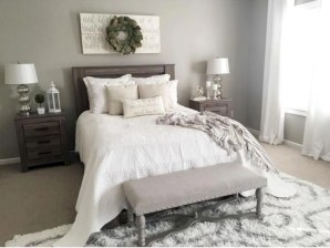 Best modern farmhouse bedroom decor ideas 33