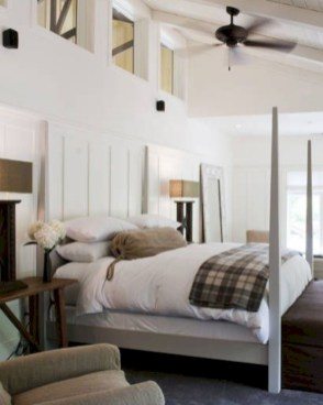 Best modern farmhouse bedroom decor ideas 35