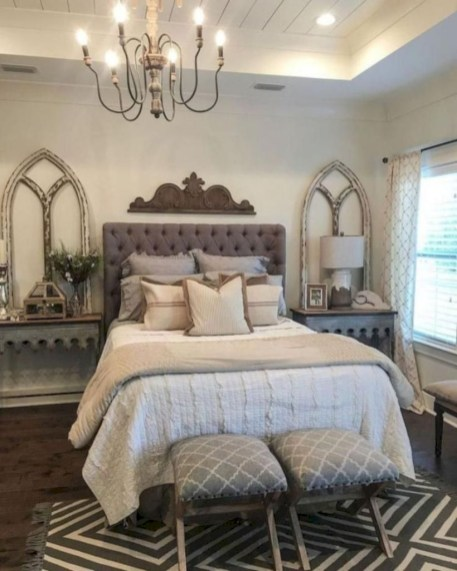 Best modern farmhouse bedroom decor ideas 43