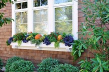 Cheap and easy fall window boxes ideas 04