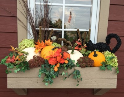 Cheap and easy fall window boxes ideas 31