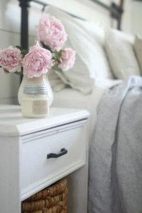 Creative bedroom decoration ideas for a new spring looks 34