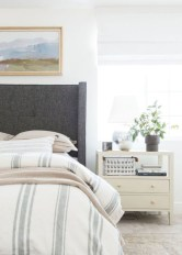 Creative bedroom decoration ideas for a new spring looks 43