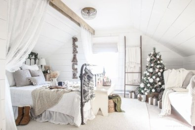 Cute farmhouse christmas decoration ideas 26