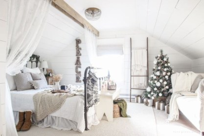 Cute farmhouse christmas decoration ideas 26