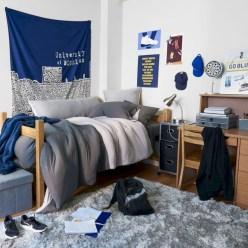 Elegant dorm room decorating ideas 34