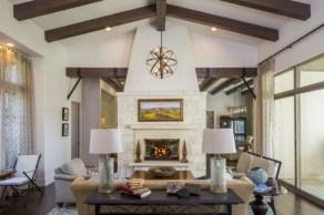 Incredible european farmhouse living room design ideas 43