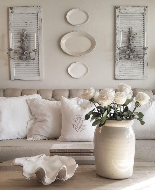 Incredible european farmhouse living room design ideas 57