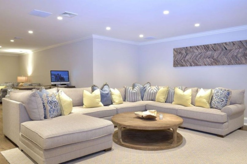 Inspiring living room layouts ideas with sectional 17