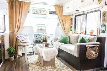 Rv living decor to make road trip so awesome 06