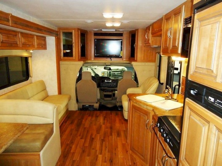 Rv living decor to make road trip so awesome 17