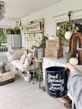 Rustic farmhouse front porch decorating ideas 16