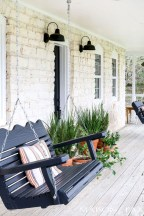 Rustic farmhouse front porch decorating ideas 17