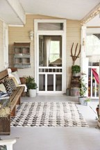 Rustic farmhouse front porch decorating ideas 19
