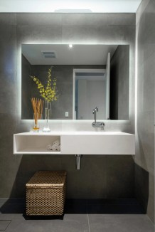 Best bathroom mirror ideas to reflect your style 44