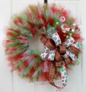 On a budget diy christmas wreath to deck out your door 02